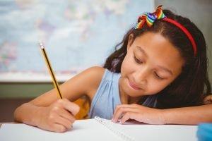 Kind schreibt