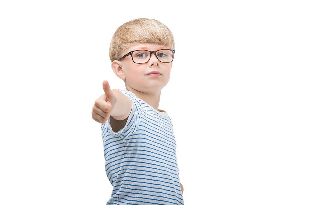weitsichtigkeit bei kindern mit einer brille korrigieren